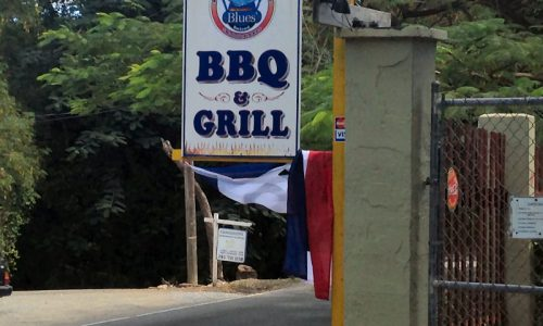 Blue's Backyard BBQ - St Croix